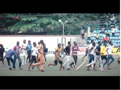 Match Between Kano Pillars Vs Enugu Rangers In Agege Ends In Violence As Referee Runs For His Life  (Video)