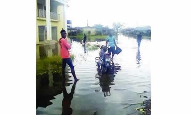 Heavy rainfall leaves buildings, cars damaged in Ilorin