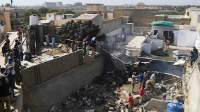 VIDEO: Plane Clashed In Pakistan, Killing All 107 Members On Board