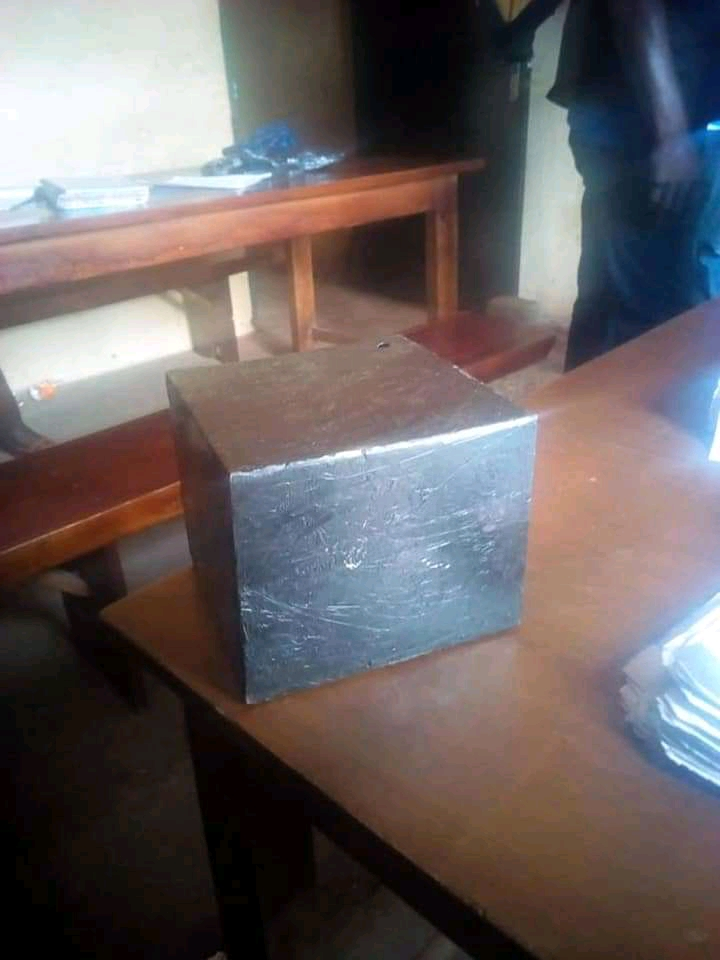 Police Nab 2 Notorious Armed Robbers, Recover Arms And Cash