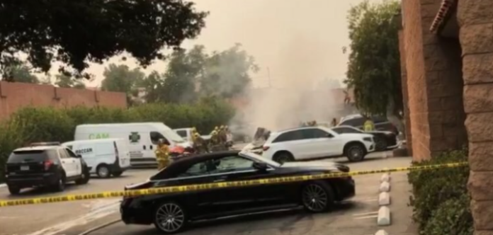 2 people have died in a plane clash in Los Angeles