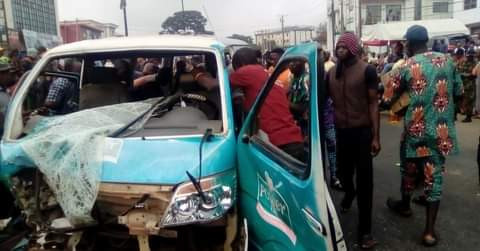 Angry Youths Loot Bus, Set It Ablaze For Killing A Motorcyclist In Ibadan (Photos)