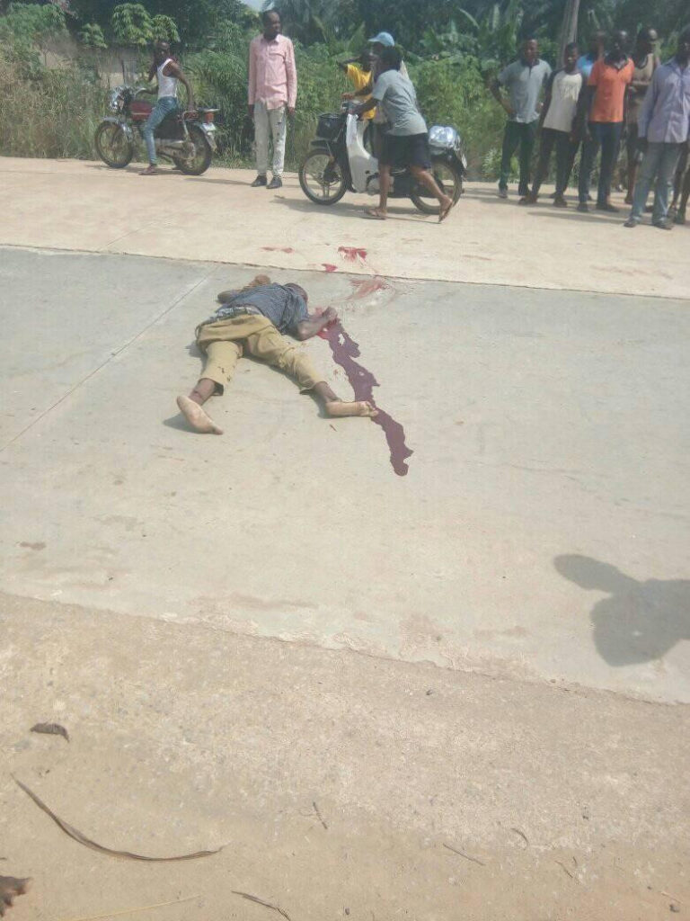 Mob Lynched Truck Driver And Conductor For Crushing 5 School Children To Death (Graphic Photos)